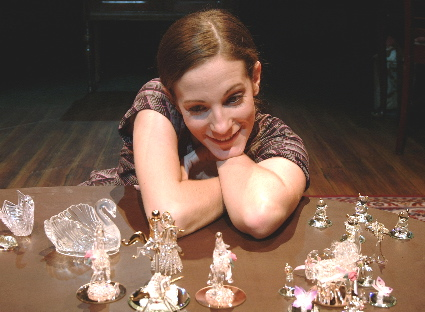 tennessee-williams-the-glass-menagerie-3